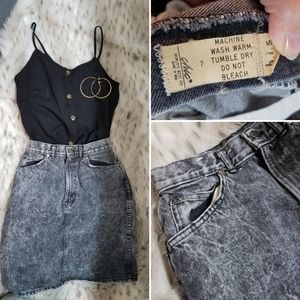🖤 Vintage black denim skirt